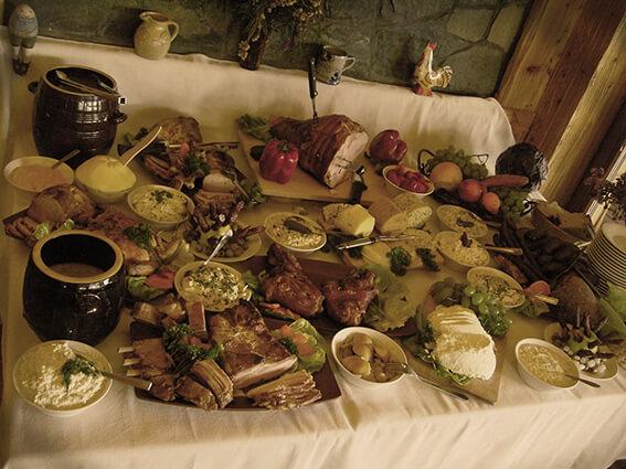 Bacówka Jamna- szwedzki stół